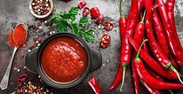 Chế độ ăn uống không hợp lý làm tăng nguy cơ mắc tiểu nhiều lần trong ngày
