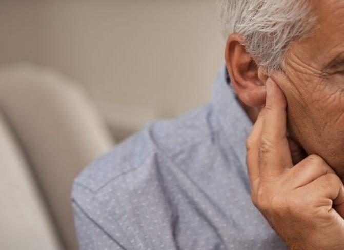 Người cao tuổi nên hạn chế tiếp xúc với tiếng ồn lớn