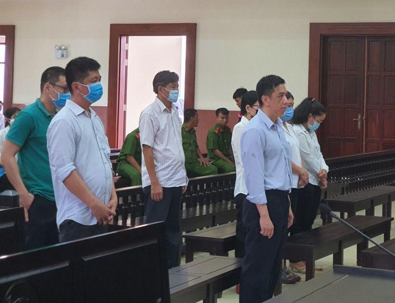 Toà quyết định tuyên y án sơ thẩm với các bị cáo. Ảnh: Đình Trường.