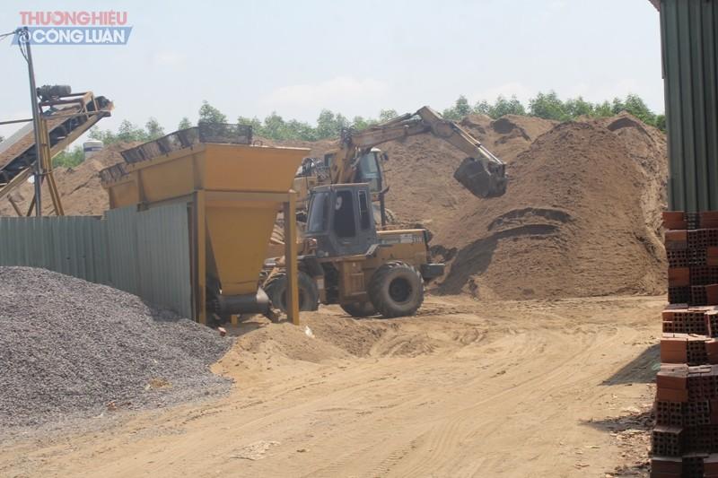 Bãi tập kết cát