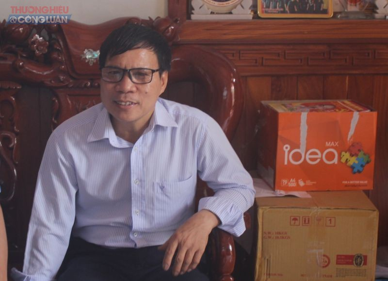 """Ông Thân Đức Bách, trưởng ấp Vườn Dừa cho biết, bãi tập kết """"khổng lồ"""" trên địa bàn đã tồn tại thời gian qua nhưng ấp không có thẩm quyền kiểm tra mà chỉ báo cáo phường Phước Tân."""