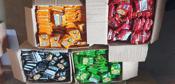 Đội 1 QLTT Lạng Sơn: Thu giữ và buộc tiêu hủy lô hàng hóa thực phẩm hết hạn sử dụng