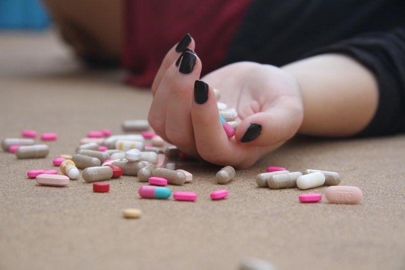 Thuốc tây y điều trị lạc nội mạc tử cung tiềm ẩn nhiều tác dụng phụ