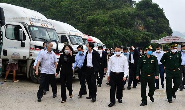 Đoàn công tác thị sát tình hình xuất khẩu nông sản tại cửa khẩu Tân Thanh