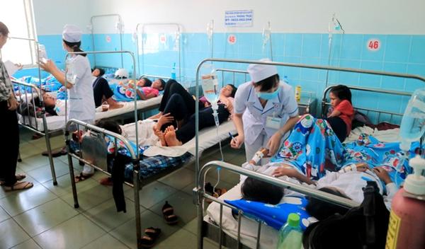 Các học sinh đang được điều trị tại Trung tâm Y tế huyện Đức Trọng