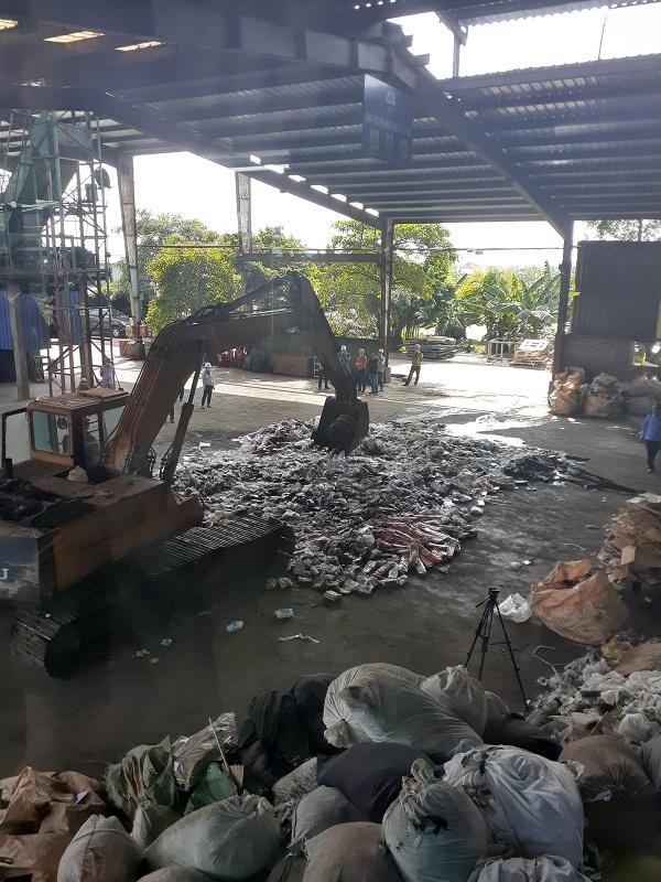 QLTT Hà Nội, thực hiện tiêu hủy tang vật vi phạm hành chính