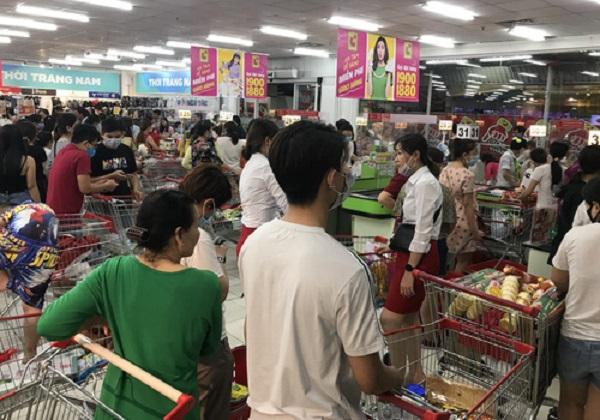 Số lượng giao dịch mua sắm tại Bách Hóa Xanh tăng 70%, Big C tăng 67%, VinMart tăng 30%, Saigon Co.op tăng 16%.