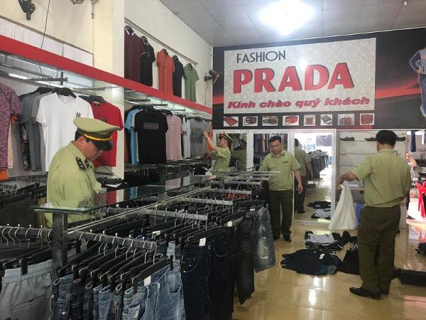 Lực lượng QLTT Lạng Sơn kiểm tra, kiểm soát thị trường hàng hóa