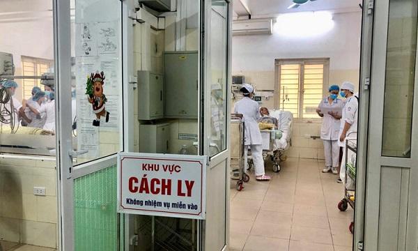 Bệnh nhân 300 tái dương tính với COVID-19 sau khi xuất viện