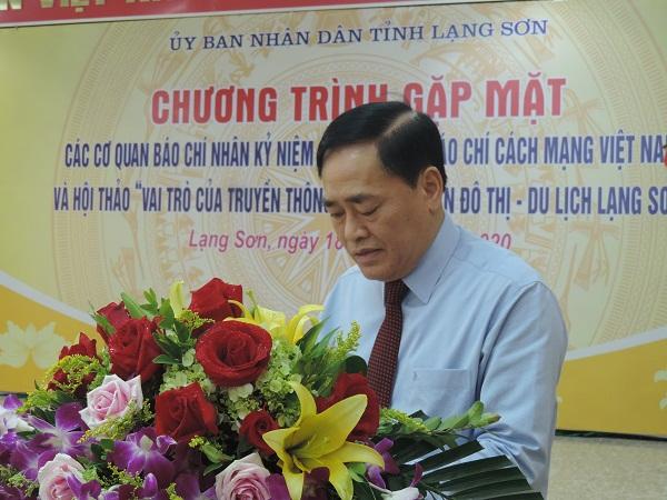 Phó chủ tịch UBND tỉnh Lạng Sơn, Hồ Tiến Thiệu phát biểu tại buổi gặp mặt