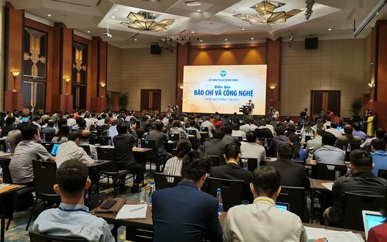 Ban Tuyên giáo Tỉnh ủy Lâm Đồng phối hợp với Bộ tư lệnh Vùng 4 Hải quân tổ chức nói chuyện chuyên đề về đấu tranh, bảo vệ chủ quyền biển đảo Việt Nam