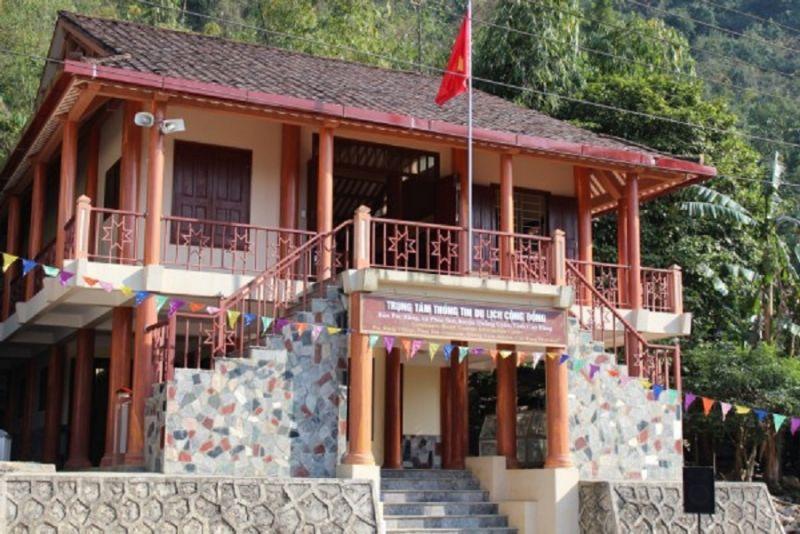 Nhà trung tâm thông tin du lịch cộng đồng xóm Pác Rằng