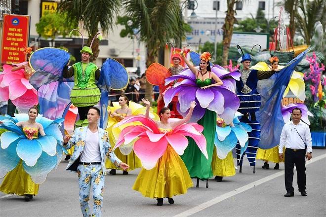 Carnival đường phố Thanh Hóa 2020 hứa hẹn mang đến cho người dân và du khách tới Sầm Sơn dịp này những trải nghiệm thú vị, khác biệt, đưa Thanh Hóa trở thành điểm đến bừng sáng sau những ngày Covid ảm đạm