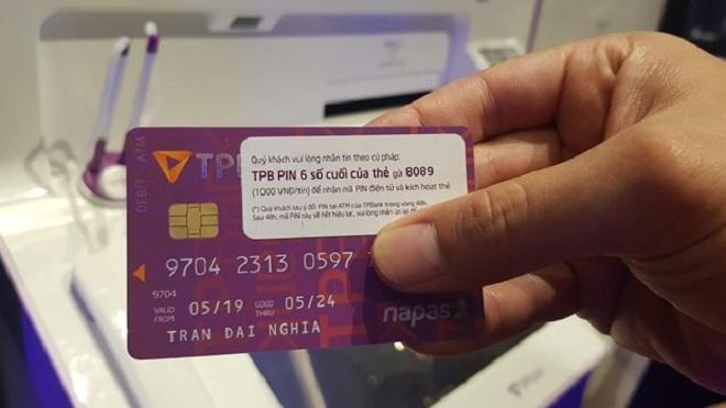 Thẻ chip nội địa của TPBank. (Ảnh: Thúy Hà/Vietnam+)