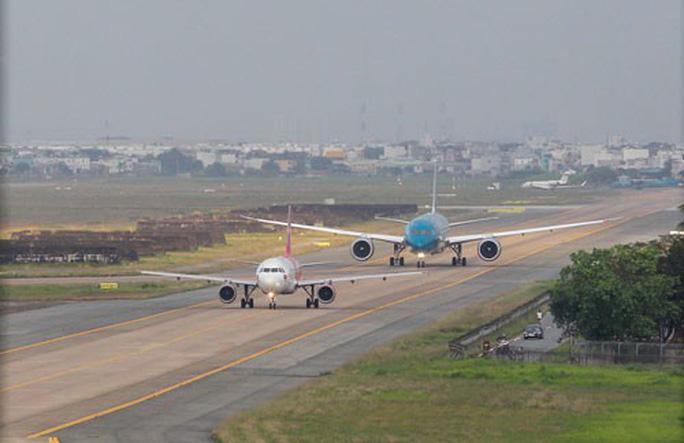 Đường cất hạ cánh và đường lăn Cảng hàng không quốc tế Tân Sơn Nhất.
