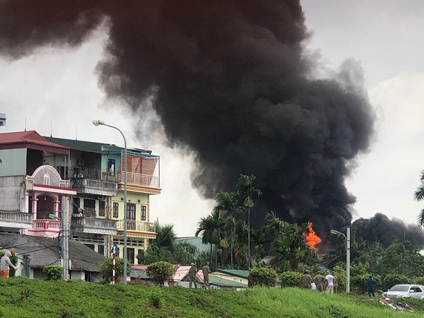 Hiện trường vụ cháy lớn ở Đức Giang trong sáng nay