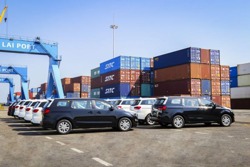 Thaco xuất khẩu lô xe Kia Grand