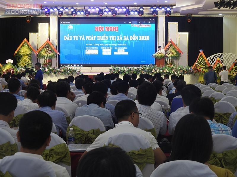 """Quảng cảnh Hội nghị """"Đầu tư & Phát triển Thị xã Ba Đồn 2020"""""""