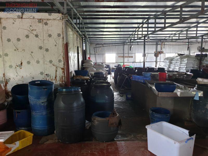 Đột kích đại công xưởng chế biến nội tạng động vật ở TP Móng Cái