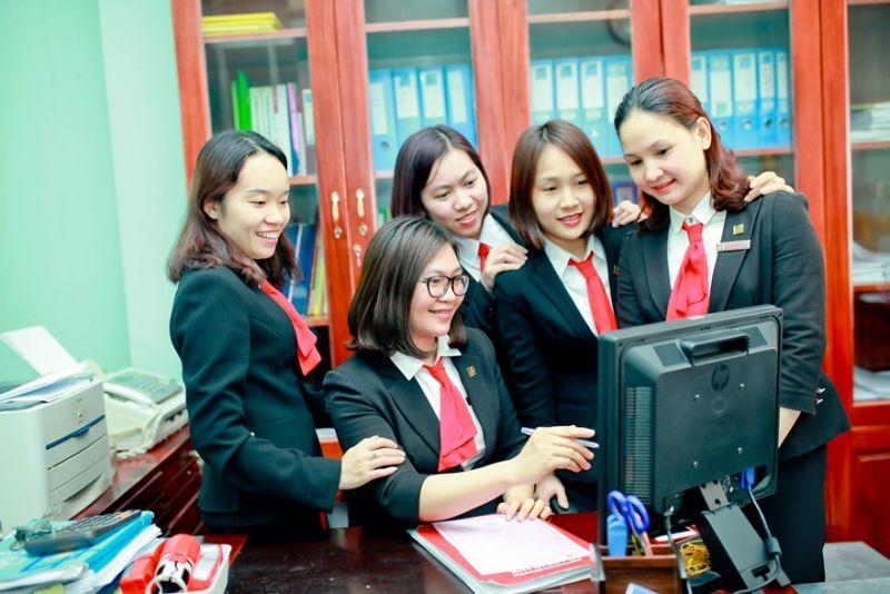 """Những điển hình tiên tiến trong phong trào """"Hai giỏi"""" góp phần nhân rộng những """"Bông hoa đẹp trong vườn hoa người tốt việc tốt"""" của Agribank nói riêng và ngành Ngân hàng Việt Nam nói chung"""