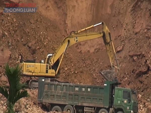 Hoạt động khai thác đất tại thôn Rộc Trụ 2, xã Khoan Dụ (Lạc Thủy, Hòa Bình)
