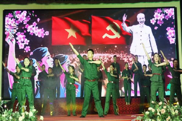 Lễ kỷ niệm 70 năm ngày truyền thống lực lượng TNXP Việt Nam do Tỉnh đoàn, Hội Cựu TNXP Nghệ An tổ chức trọng thể sáng 15/7