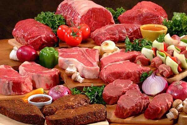 Siêu thị đẩy mạnh giảm giá thịt bò