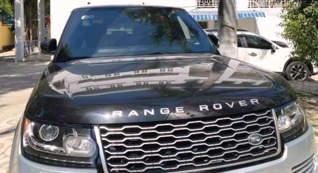 Tạm giữ xe sang Range Rover