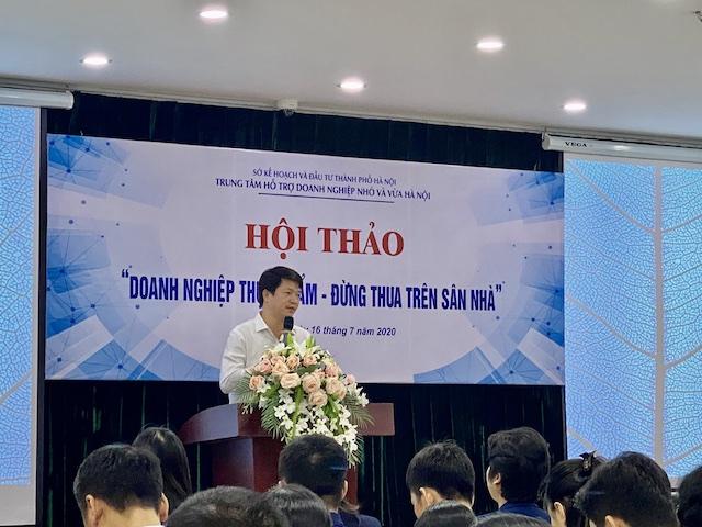 Ông Lê Văn Quân- Giám đốc trung tâm hỗ trợ DNNVV TP. Hà Nội phát biểu khai mạc