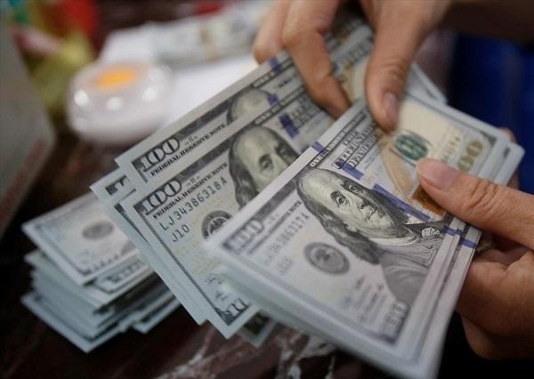 Căng thẳng Mỹ-Trung leo thang góp phần đẩy đồng USD đi xuống