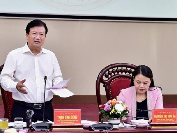 Phó Thủ tướng Trịnh Đình Dũng phát biểu tại cuộc làm việc