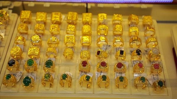 Giá vàng trong nước tăng gần 100.000 đồng/lượng