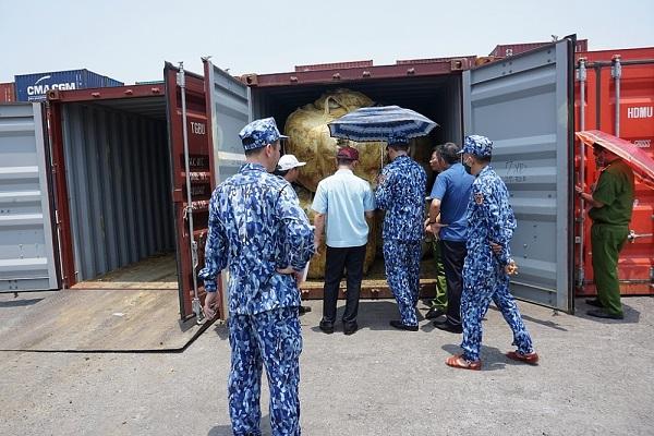 Hải Phòng khởi tố vụ vận chuyển trái phép gần 850 tấn quặng qua biên giới
