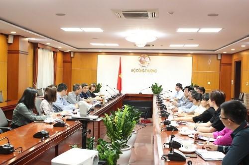 Thứ trưởng Cao Quốc Hưng đã có buổi làm việc với đại diện Hiệp hội Hồ tiêu Việt Nam và 9 trong số 13 doanh nghiệp có 58 container tiêu xuất khẩu đang bị kẹt tại Nepal