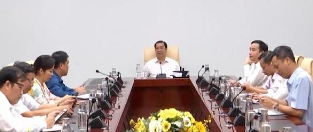 Chủ tịch UBND TP. Đà Nẵng Huỳnh Đức Thơ chủ trì buổi họp khẩn về phòng, chống Covid-19 tối 24/7