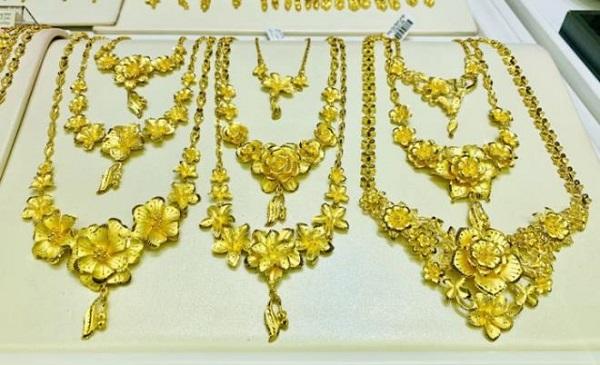 Giá vàng liên tiếp xô đổ mọi kỷ lục