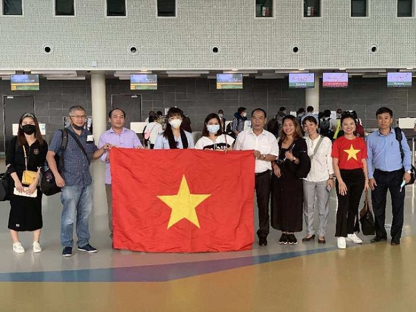 Các công dân ở Việt Nam được đưa về nước