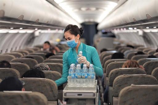 Vietnam Airlines sẽ hỗ trợ cho hành khách có vé xuất trước ngày 25/7/2020 trên kênh truyền thống