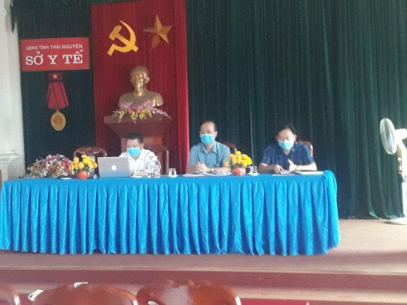 Đ/c Đặng Ngọc Huy - Bí thư Đảng ủy – Giám đốc Sở (Ở giữa) đã chủ trì hội nghị.