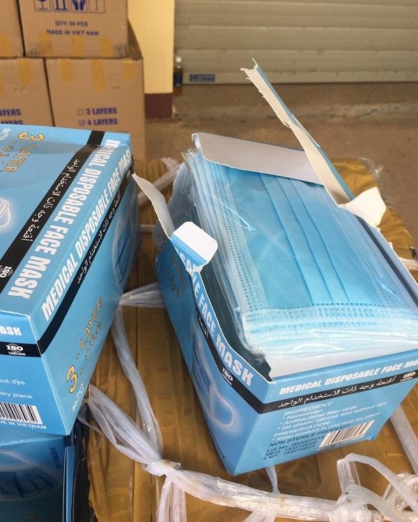 Lực lượng QLTT tỉnh Bình Định vừa phát hiện và tạm giữ hơn 70.000 chiếc khẩu trang y tế không có hóa đơn, chứng từ