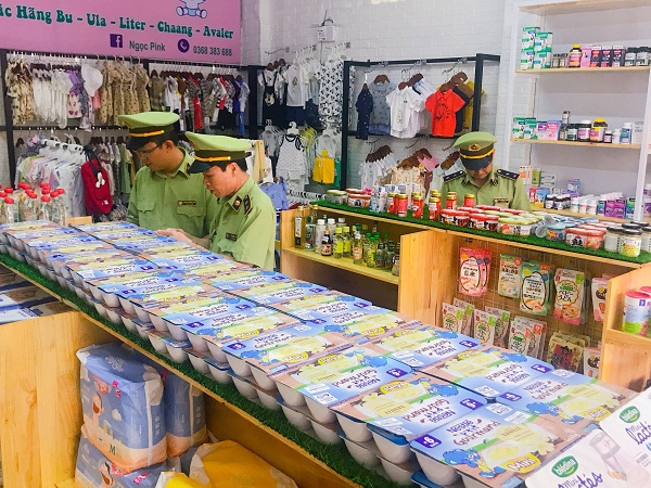 Lực lượng chức năng Lạng Sơn tăng cường kiểm tra kinh doanh hàng hóa