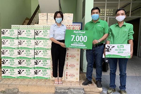 Nutifood tặng 7000 sản phẩm sữa và thức uống dinh dưỡng cho 3 bệnh viện tại Đà Nẵng