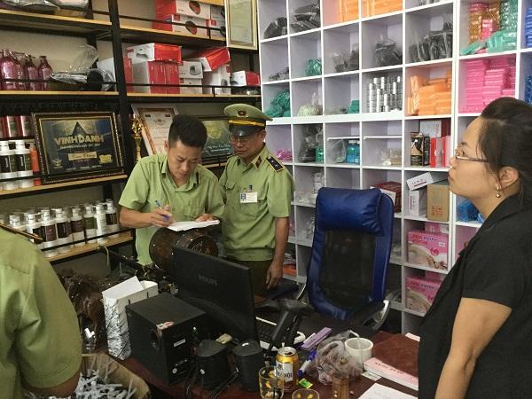 Lực lượng chức năng Bắc Ninh kiểm tra hàng hóa vi phạm