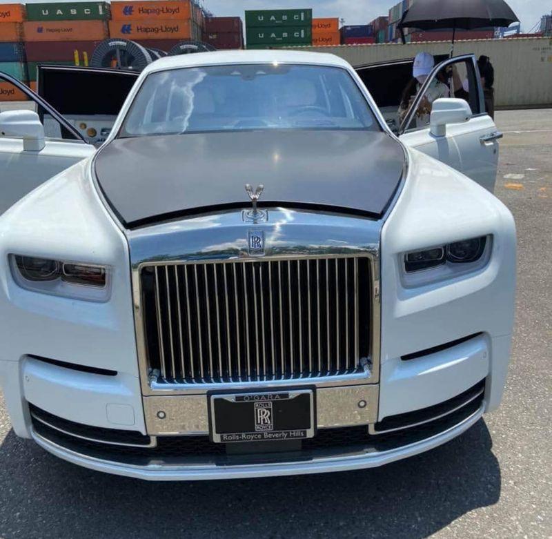Thêm một chiếc Rolls-Royce Phantom Tranquility đã được khui công tại Việt Nam