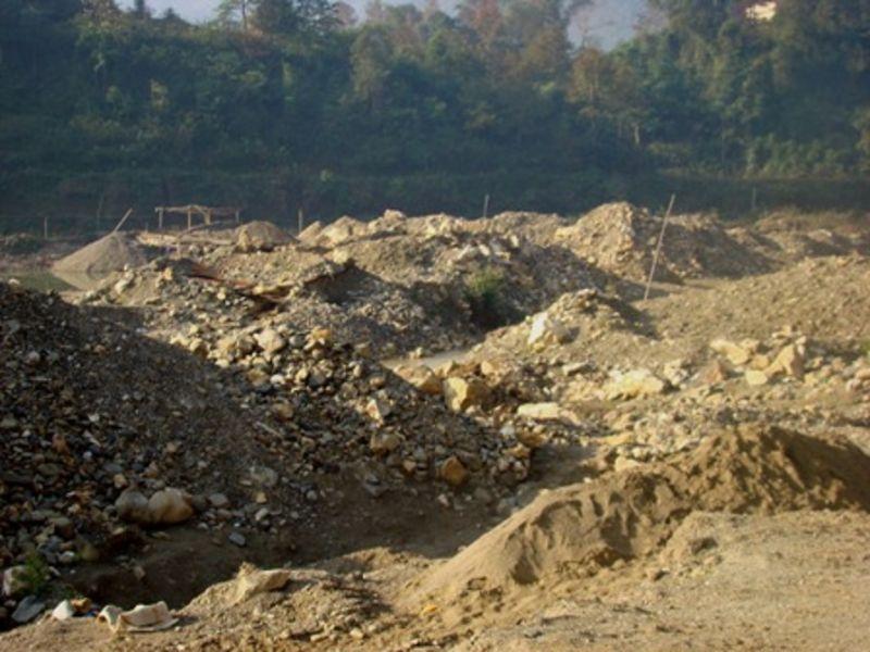Khai thác khoáng sản với công nghệ lạc hậu tại nhiều mỏ gây tác động xấu đến môi trường