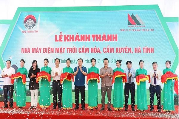 Dự án Nhà máy điện mặt trời đầu tiên tại Hà Tĩnh với tổng vốn gần 1.500 tỷ đồng do Cty CP Tập đoàn Hoành Sơn làm chủ đầu tư