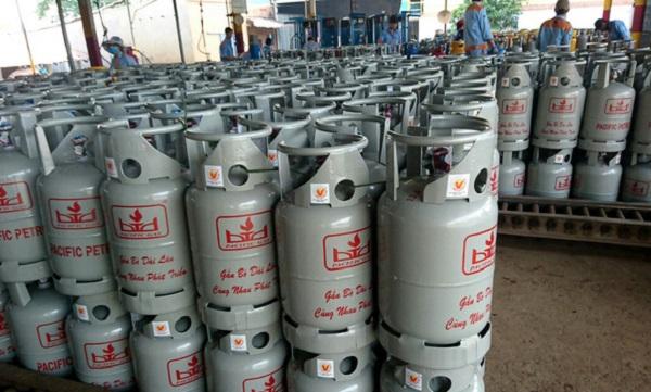 Nhiều công ty gas đồng loạt tăng giá thêm 2.000 đồng/bình 12kg