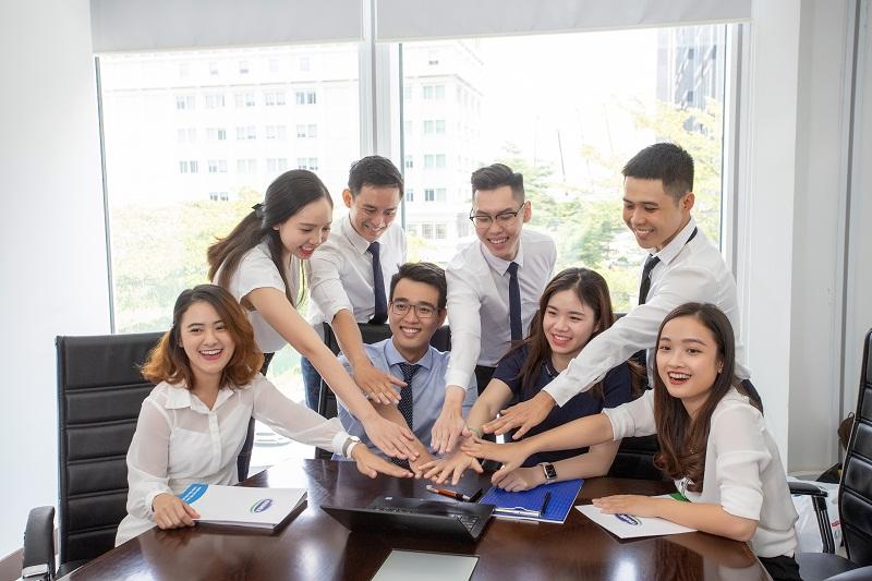 """Cơ hội được đào tạo, trải nghiệm thực tế công việc và tham gia vào các dự án lớn là những điểm thu hút các bạn trẻ tài năng đến với Chương trình """"Quản trị viên tập sự"""" của Vinamilk."""