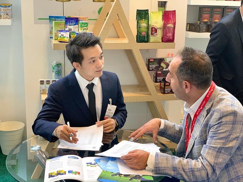 Anh Nguyễn Thanh Tuấn, nhân sự trưởng thành từ chương trình MT, hiện đang đảm nhiệm vị trí Trưởng Bộ phận Kinh doanh Xuất khẩu (quản lý thị trường Trung Đông) tại Vinamilk.