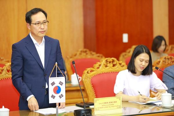 Ông Choi Joo Ho, Tổng giám đốc Samsung Việt Nam phát biểu tại Lễ ký kết
